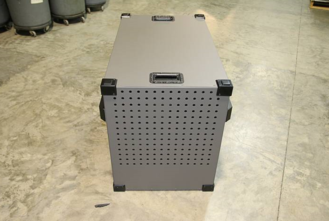 Heavy_Duty_Dog_Crate_Vent_Holes_Back